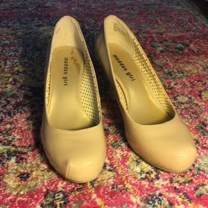 Madden Girl: Nude heels
